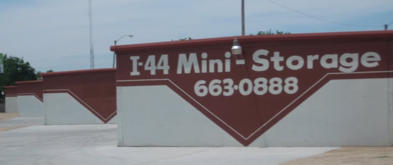 i-44 mini storage about